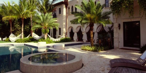 """Lenny Kravitz House"" Lenny Kravitz House Celebrity Home in Miami: Lenny Kravitz House featured"