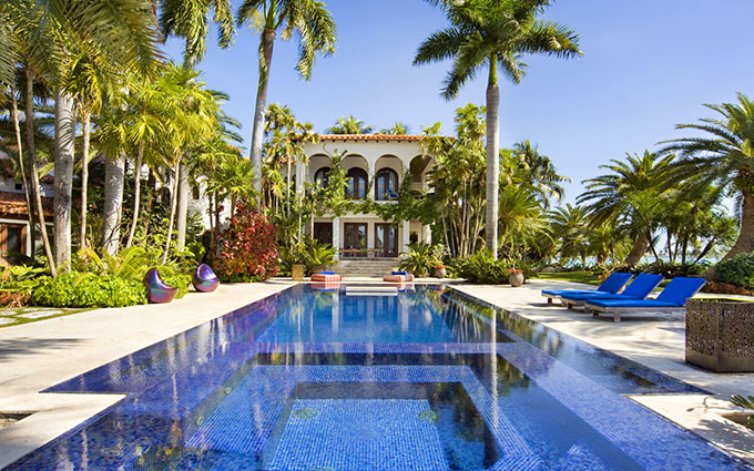 """""""The Best Vacation Houses in Miami"""""""