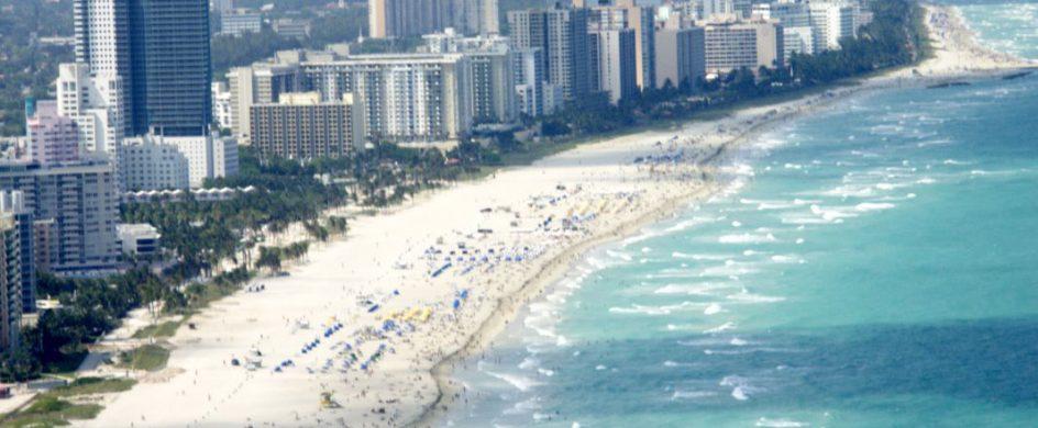"""A guide through the best beaches in Miami""  A guide through the best beaches in Miami featuredf 944x390"