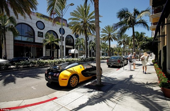 The most expensive shopping streets  in world  The most expensive shopping streets  in world 2A46D76500000578 3144913 image a 114 1436365151560