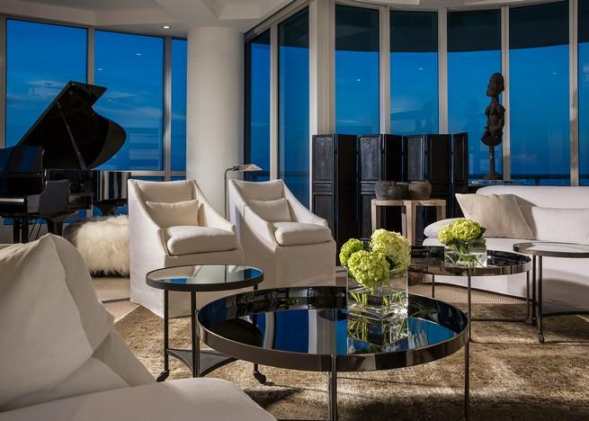Pop Art meets Modern Residence Design by Michael Dawkins michael dawkins Pop Art meets Modern Residence Design by Michael Dawkins MD Home Continuum Tower 3103 007
